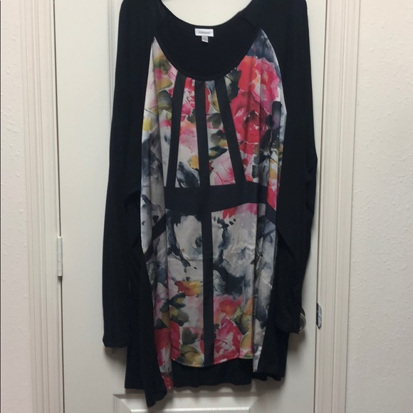 Avenue Tops - Floral inset tunic